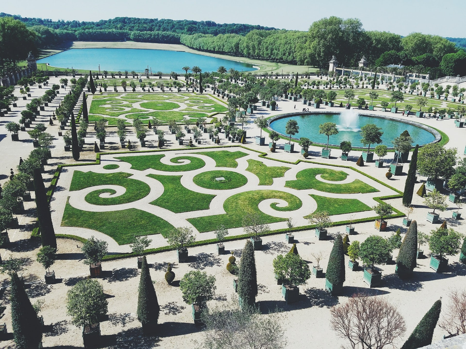 The gardens of Versailles are a great way to teach students about real-life geometry