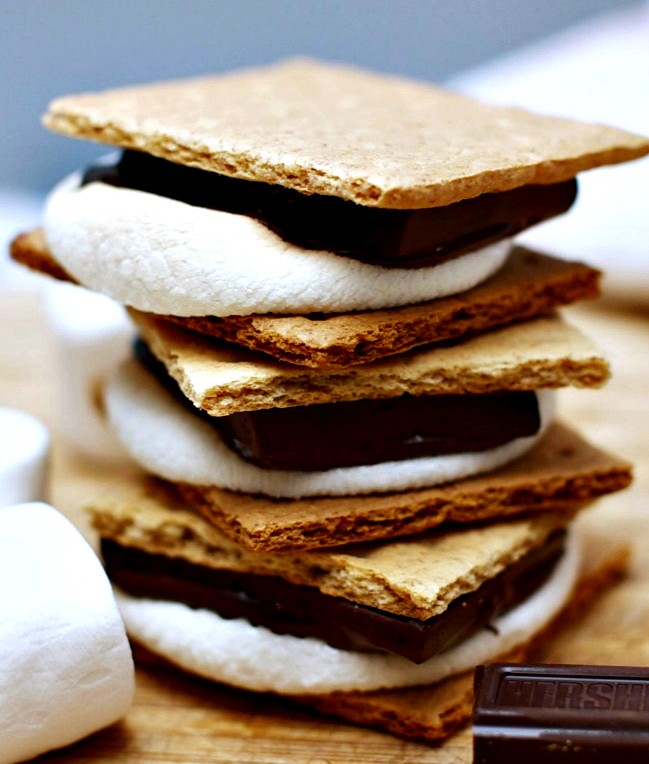 Image of 3 stacked S'mores from Domestic Mommyhood.